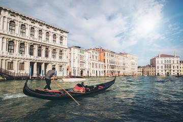 Keuken foto achterwand Gondolas Venetian Gondolier Punts Gondola in Venice, Italy