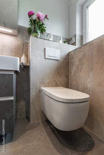 Modernes Badezimmer, Toilette\