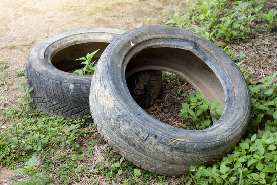Used old tires are recycled.Use in outdoor.