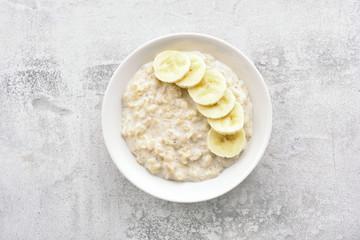 Oats porridge with banana slices