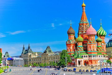 Tuinposter Moskou View of St. Basil's cathedral on the Red Square in summer in Moscow, Russia.