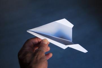 Avión de papel de tecnología origami