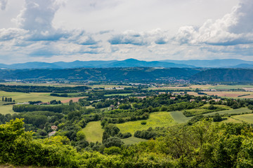 Vue sur la vallée du Rhône depuis la Tour d'Albon