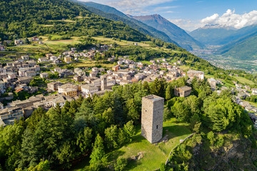 Teglio - Valtellina (IT) - Vista aerea panoramica della Torre