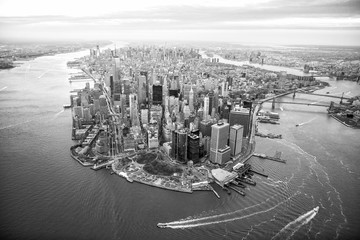 Fototapete - Aerial view of Manhattan skyline at sunset, New York City