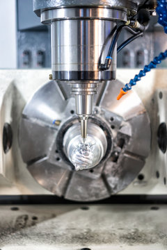 High precision CNC machining center 5 axis working, operator machining automotive sample part process