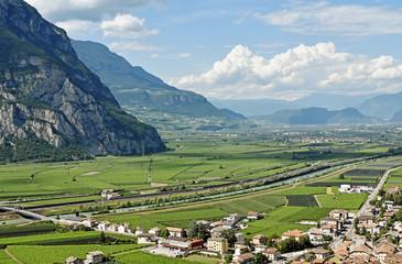 Südtirol, Salurn, Etschtal Richtung Norden