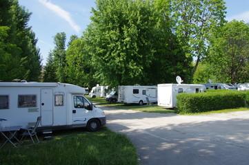 Tuinposter Kamperen aire de camping car