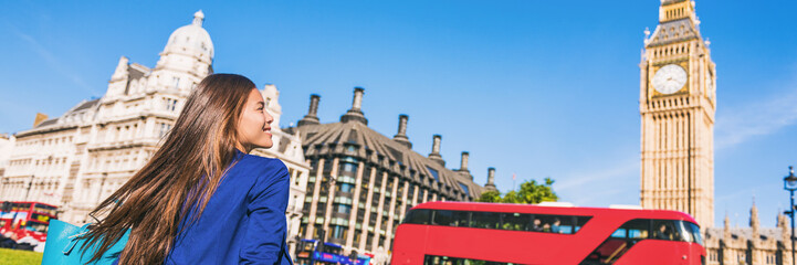 Foto auf Gartenposter London roten bus Happy tourist woman relaxing in London city at Westminster Big ben and red bus. Europe destination travel lifestyle.