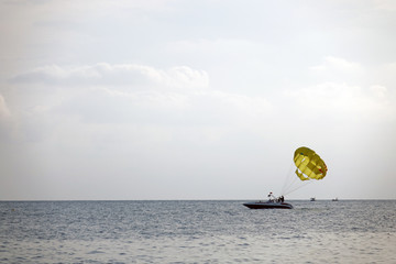 parachute on the high seas pulls powerboat, parachute on the high,parachute