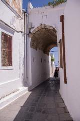 Fototapeta Lindos, Grecja - romantyczne uliczki obraz