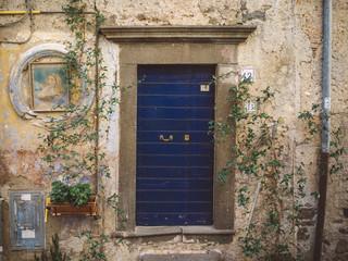Blue Door in Italia