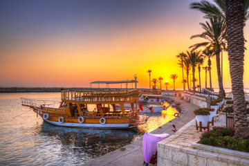 Photo sur Toile Turquie The harbour with boats in Side at sunset, Turkey