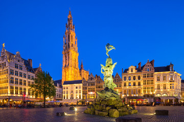 Poster Antwerpen Famous fountain with Statue of Brabo in Grote Markt square in Antwerpen, Belgium.