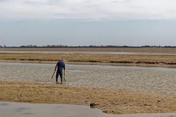 pêche sur une plage de l'ile noirmoutier