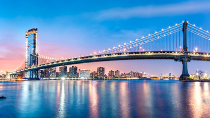 Fotomurales - Manhattan Bridge panorama at dawn