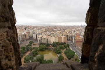 サグラダ・ファミリアの生誕のファザードから見るバルセロナ市街風景