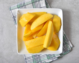 Juicy ripe mango slices