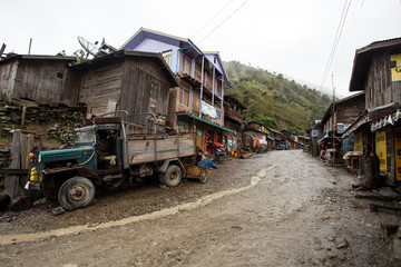 Papiers peints Route 66 Delivery truck in Remote Myanmar Village