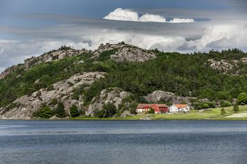 Bauernhof am Fjord in Schweden