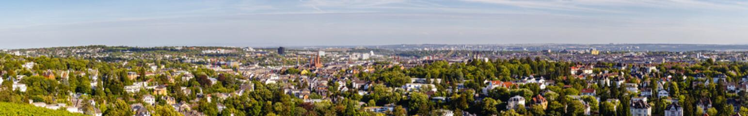 Wiesbaden, Panorama vom Neroberg am Abend. 21. Juni 2018.
