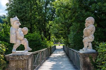 Impressionen aus Mirabell - Statuen im Schlosspark