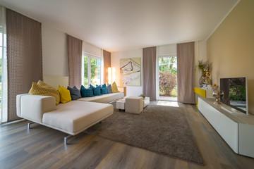 Wohnzimmer, helles Ambiente