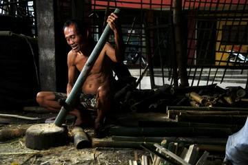Bamboo furniture maker
