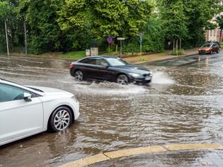 Aquaplaning bei einem Unwetter