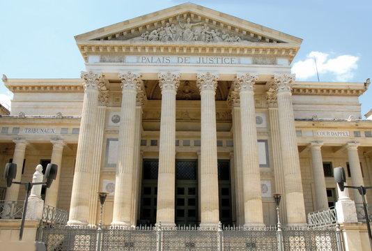 Palais de Justice, ville de Nîmes, Gard
