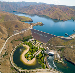 Foto op Canvas Dam Aerial perspective over the famous Lucky Peak Earthen Dam on the Boise River in Idaho