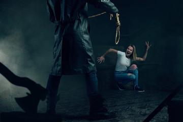 Maniac with rope prepares to strangle his victim