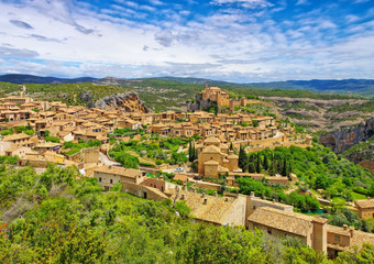 die mittelalterliche Stadt Alquezar, Aragon, Spain - the medieval town of Alquezar, Spain