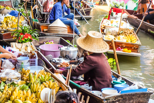 Food and drink sell at Damnoen Saduak floating market in Ratchaburi near Bangkok