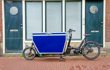 Fahrradkurier in Amsterdam
