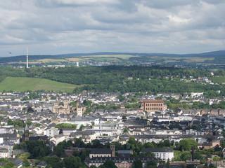 Panoramablick auf Trier mit Basilika und Dom