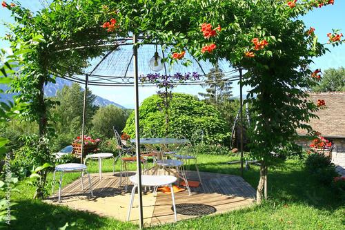 salon de jardin sur terrasse en tek\