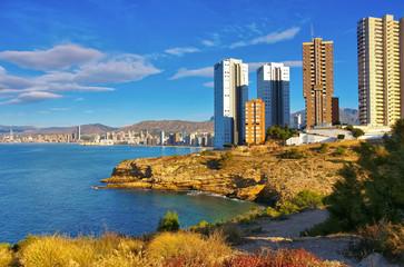 Hochhäuser und Strand in benidorm, Spanien - waterfront skyscrapers and beach in Benidorm, Spain