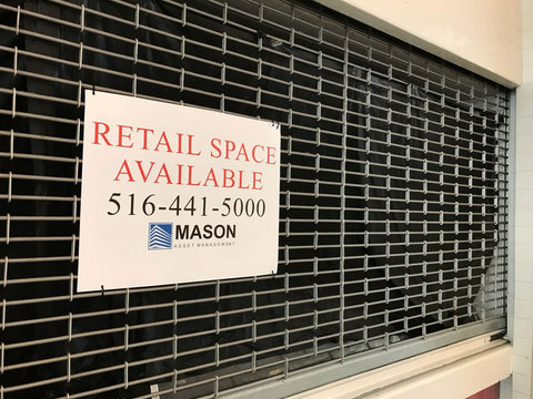 A store vacancy sign hangs at a property owned by Mason Asset Management and Namdar Realty Group at River Oaks Center mall in the suburbs of Chicago