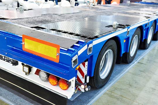 Trailer and semitrailer for transportation