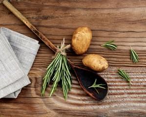 Rosmarin mit Kartoffeln