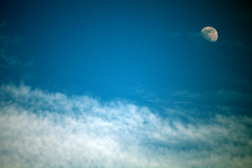 cloud,moon,sky,view,white,blue,space,evening
