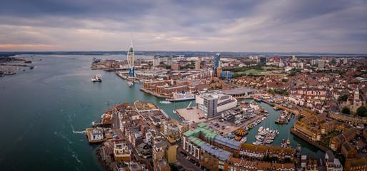 Foto auf AluDibond Schiff Aerial view of Portsmouth in the evening, UK