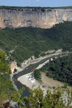Gorges de l'Ardèche et falaises, département de l'Ardèche, France