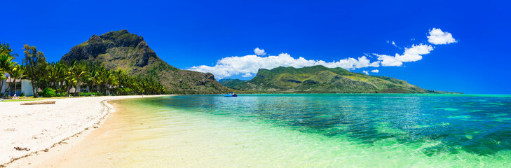Fototapete - Incredible nature of Mauritius island. Tropical exotic holidays