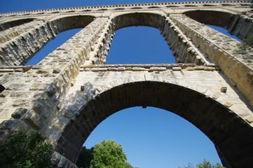 Römisches Aquädukt bei Aix - en - Provence