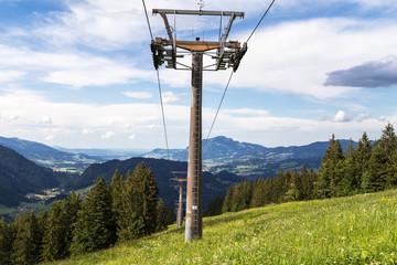 Seilbahn in Alpen. Allgäu. Bayern. Deutschland.