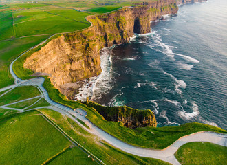 World famous Cliffs of Moher, one of the most popular tourist destinations in Ireland. Fototapete