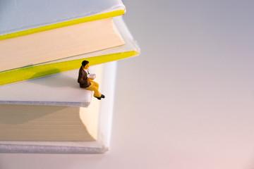 読書 勉強 孤独 イメージ