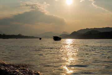 Laos - Luang Prabang - Sonnenuntergang auf dem Mekong